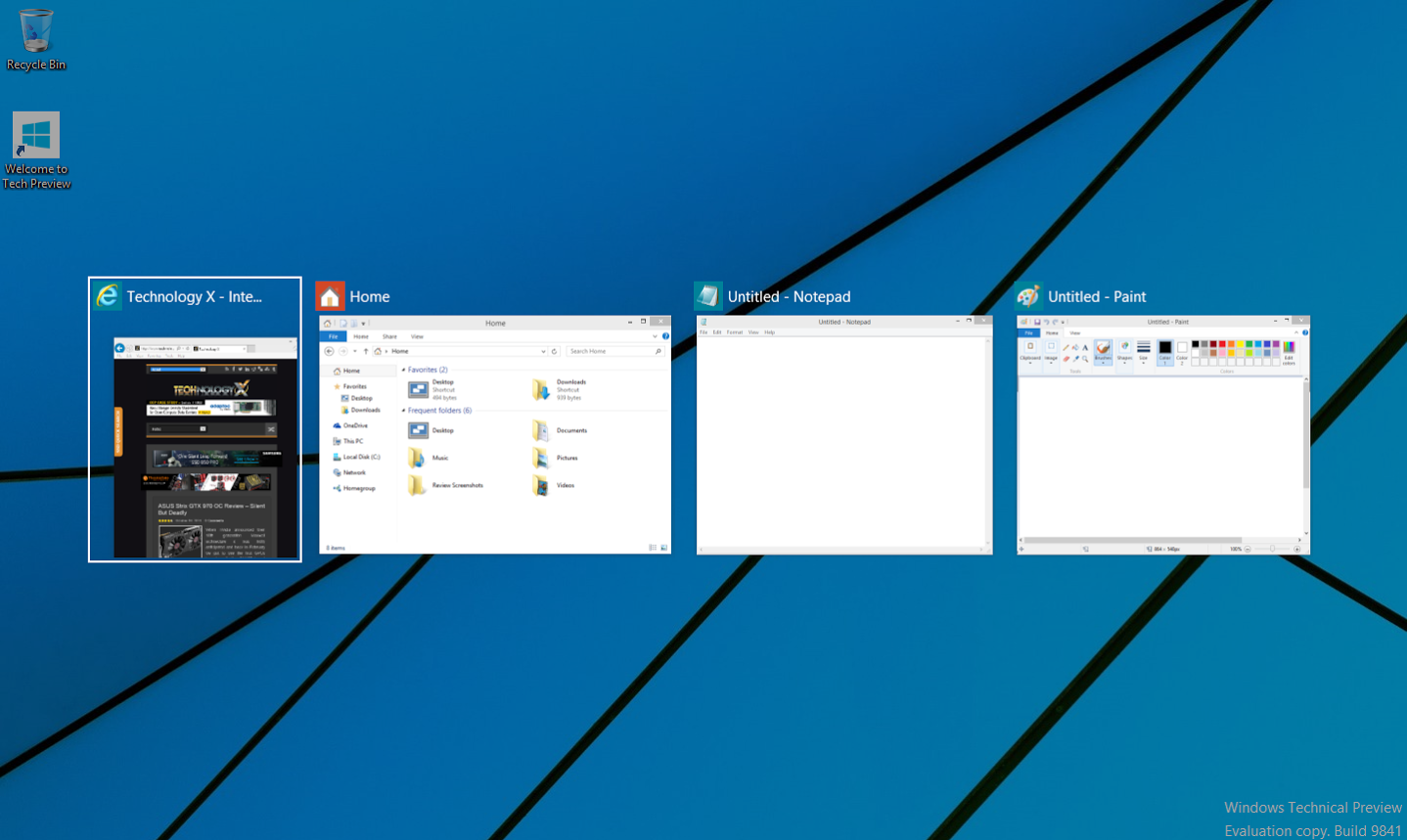 how to bring up taskbar on windows 8